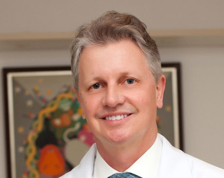 Dr. Gilberto Kremer